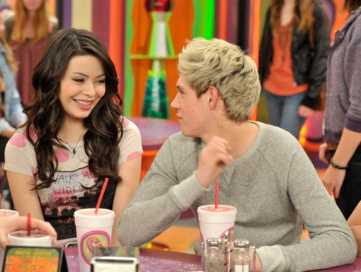 One direction what makes you beautiful on icarly full