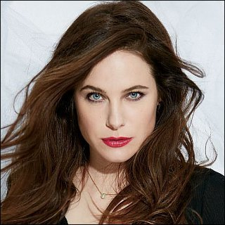 Caroline Dhavernas Profile Photo