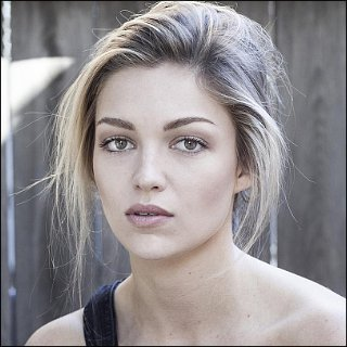 Lili Simmons Profile Photo