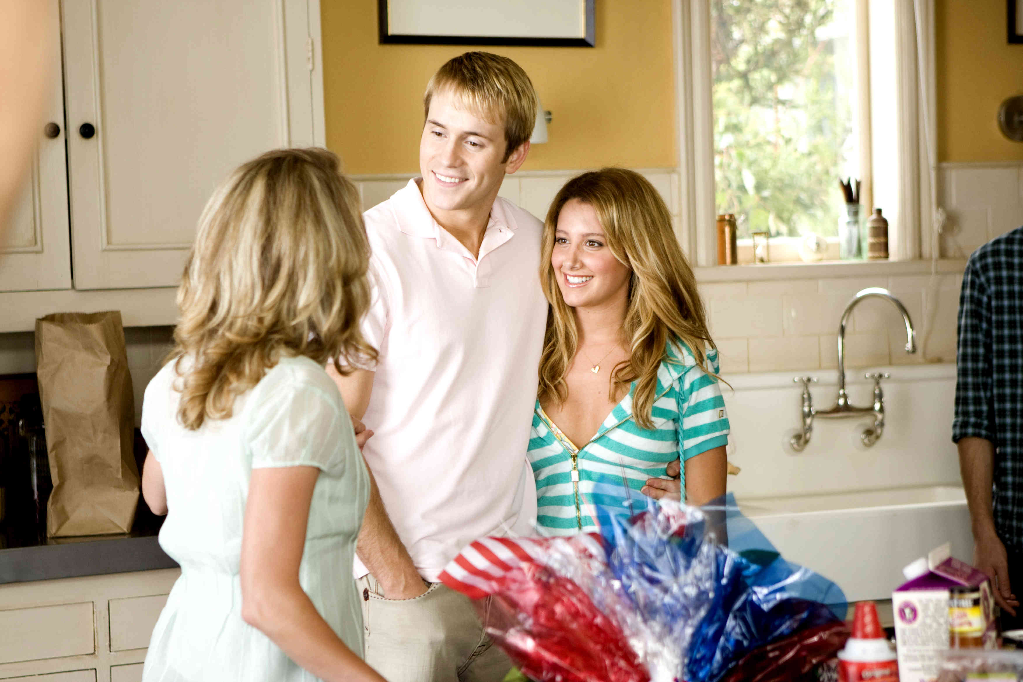 Robert Hoffman stars as Ricky and Ashley Tisdale stars as Bethany Pearson in The 20th Century  sc 1 st  AceShowbiz.com & Aliens in the Attic Picture 3