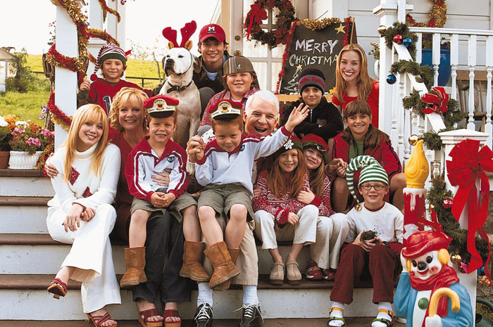 Steve Martin, Tom Welling, Hilary Duff, Bonnie Hunt and Piper Perabo in The 20th Century Fox' Cheaper by the Dozen (2003)