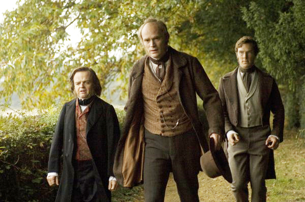 Tobey Jones, Paul Bettany y Benedict Cumberbatch en Creation (2009)