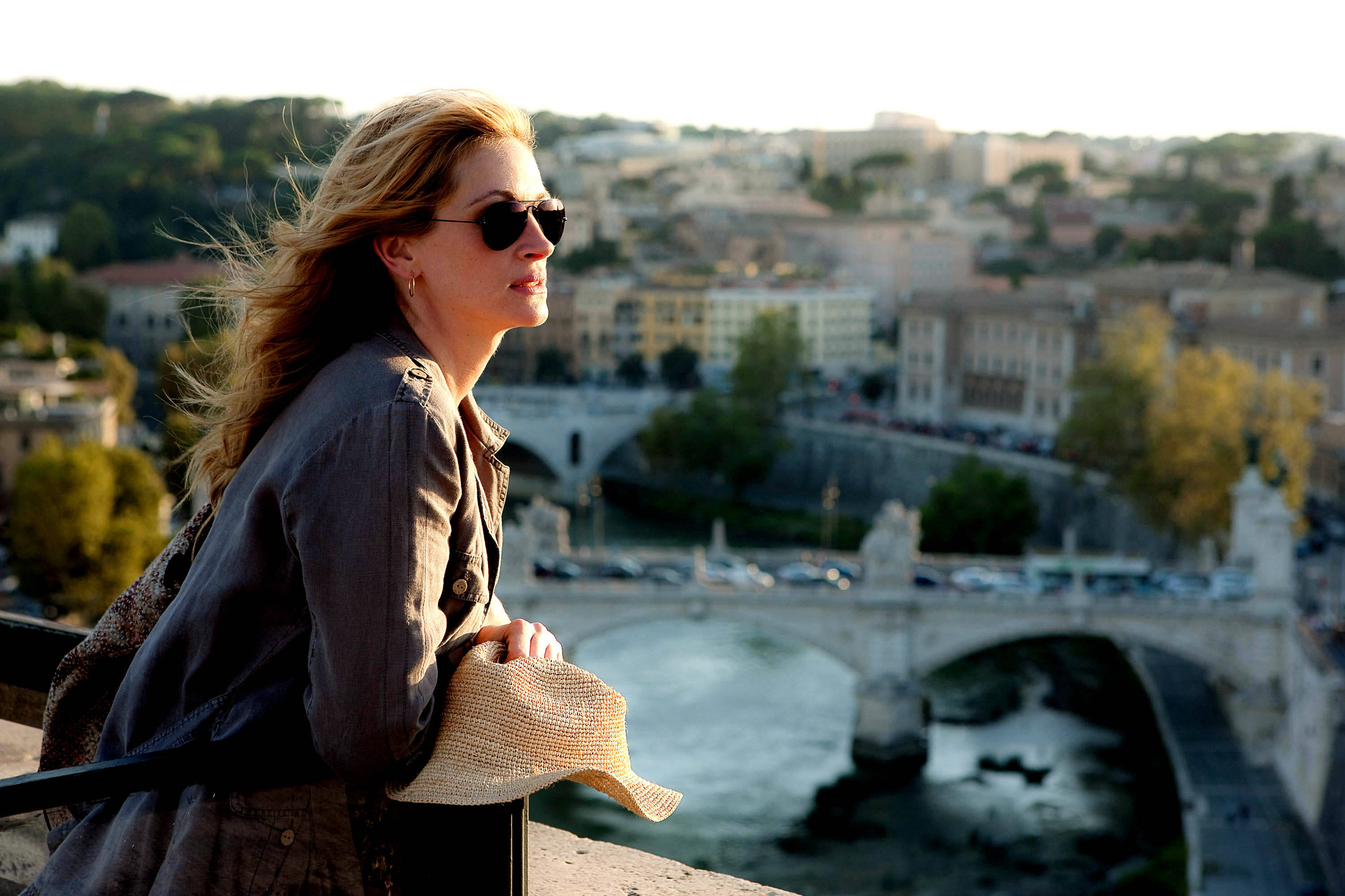 Julia Roberts stars as Elizabeth Gilbert in Columbia Pictures' Eat, Pray, Love (2010)