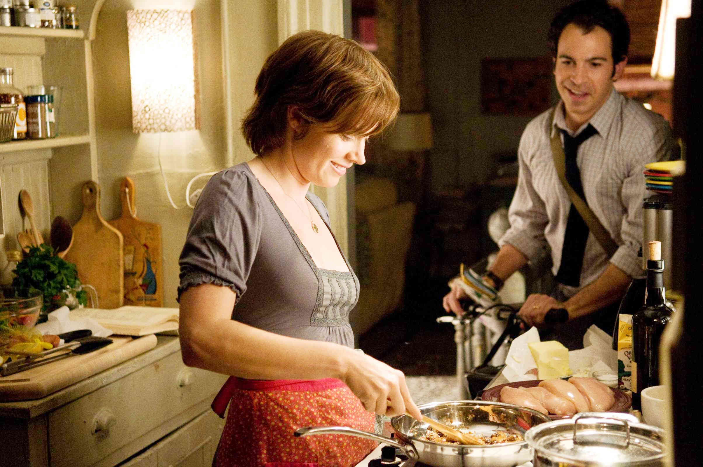 Amy Adams stars as Julie Powell and Chris Messina stars as Eric Powell in Columbia Pictures' Julie & Julia (2009)
