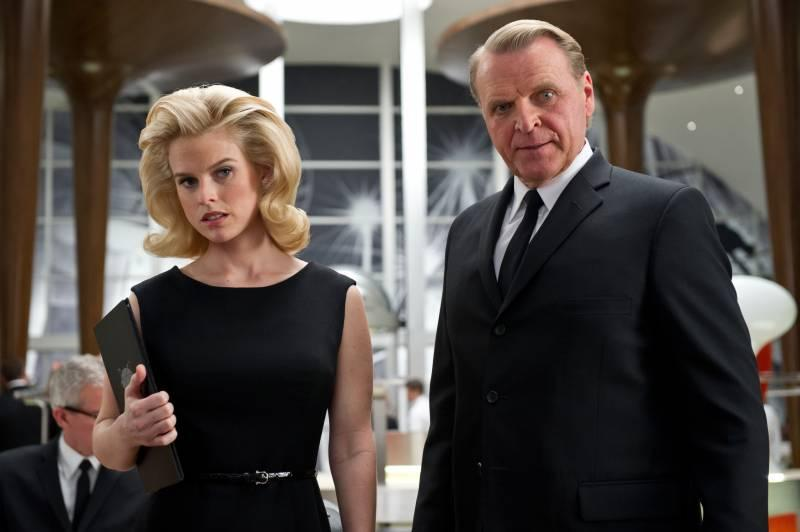Alice Eve stars as Young Agent O in Columbia Pictures' Men in Black 3 (2012)
