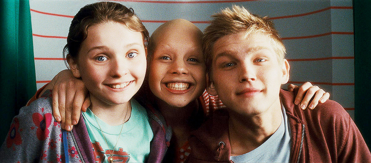 Abigail Breslin, Sofia Vassilieva and Evan Ellingson in New Line Cinema's My Sister's Keeper (2009)