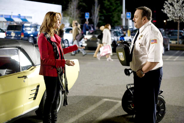 Jayma Mays stars as Amy and Kevin James stars as Paul Blart in Columbia Pictures' Paul Blart: Mall Cop (2009). Photo credit by Richard Cartwright.