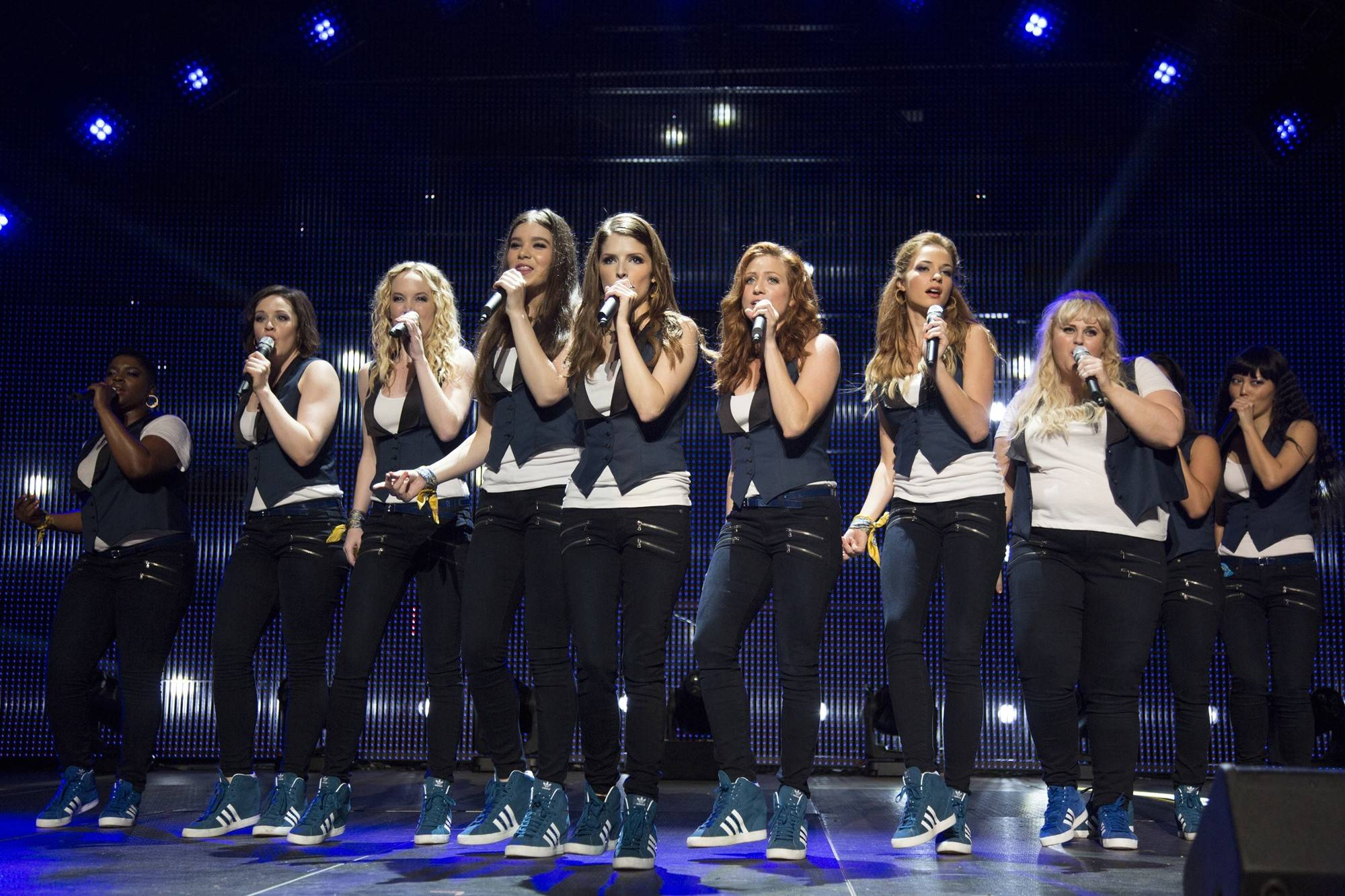 Ester Dean, Hailee Steinfeld, Anna Kendrick, Brittany Snow, Rebel Wilson and Hana Mae Lee in Universal Pictures' Pitch Perfect 2 (2015)