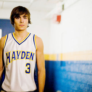 Zac Efron stars as Mike O' Donnell at 17 in New Line Cinema's 17 Again (2009) - 17_again31
