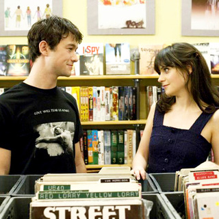 Joseph Gordon-Levitt stars as Tom and Zooey Deschanel stars as Summer in Fox Searchlight Pictures' 500 Days of Summer (2009) - 500_days_of_summer08