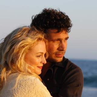 Heather Graham as Hope and Jeremy Sisto as Will in First Look Pictures' Broken (2007) - Broken5