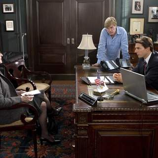 (L-R) MERYL STREEP, ROBERT REDFORD and TOM CRUISE star in United Artists/MGM Pictures' LIONS FOR LAMBS (2007). Photo by: David James. - L-001552