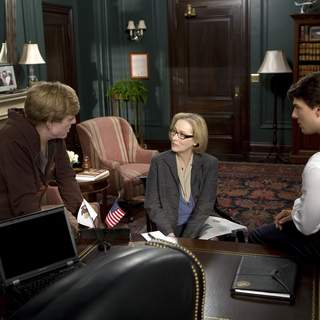 Director & star ROBERT REDFORD, MERYL STREEP and TOM CRUISE on the set of United Artists/MGM Pictures' LIONS FOR LAMBS (2007). Photo by: David James. - L-001728