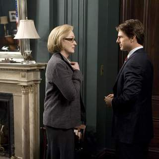 MERYL STREEP and TOM CRUISE star in United Artists/MGM Pictures' LIONS FOR LAMBS (2007). Photo by: David James. - L-002448