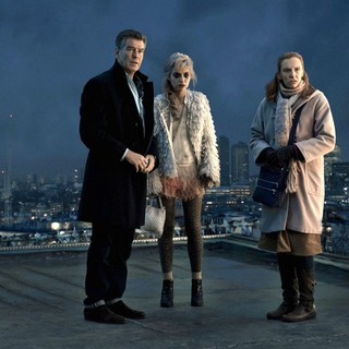 Pierce Brosnan, Imogen Poots and Toni Collette in Magnolia Pictures' A Long Way Down (2014)