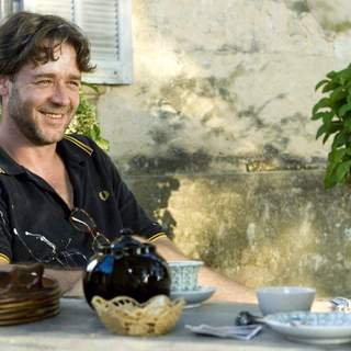 Russell Crowe as Max Skinner in The 20th Century Fox's A Good Year (2006)