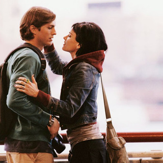"Ashton Kutcher and Amanda Peet in Touchstone Pictures' ""A Lot Like Love"" (2005) - a_lot_like_love14"