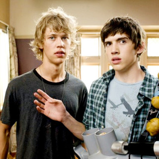 Austin Butler stars as Jake and Carter Jenkins stars as Tom Pearson in The 20th Century Fox's Aliens in the Attic (2009) - aliens_in_the_attic39