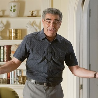 Eugene Levy stars as Jim's Dad in Universal Pictures' American Reunion (2012) - american-reunion-img09