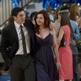 Jason Biggs stars as Jim and Alyson Hannigan stars as Michelle Flaherty-Levenstein in Universal Pictures' American Reunion (2012) - american-reunion08