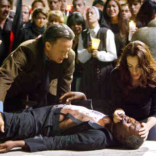 Angels & Demons - Tom Hanks stars as Robert Langdon and Ayelet Zurer stars as Vittoria Vetra in Sony Pictures Releasing's Angels & Demons (2009)