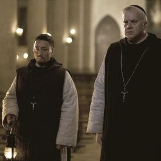 Zhang Hanyu (An Ximan) and Tim Robbins in China Lion Film Distribution's Back to 1942 (2012)
