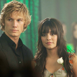 Alex Pettyfer stars as Kyle Kingson and Vanessa Hudgens stars as Linda Taylor in CBS Films' Beastly (2011)