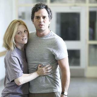 Mark Ruffalo and Julianne Moore in Miramax Films' Blindness (2008). Photo credit: Ken Woroner.
