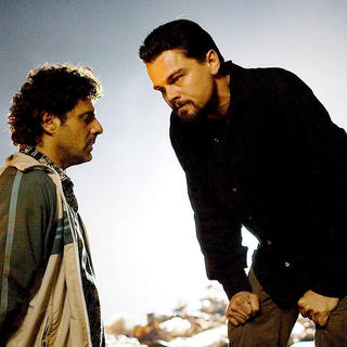Body of Lies - Vince Colosimo stars as Skip and Leonardo DiCaprio stars as Roger Ferris in Warner Bros. Pictures' Body of Lies (2008)