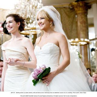 Anne Hathaway stars as Emma and Kate Hudson stars as Liv in Fox 2000 Pictures' Bride Wars (2009). Photo credit by Claire Folger.