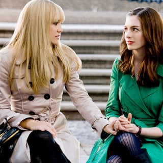 Kate Hudson stars as Liv and Anne Hathaway stars as Emma in Fox 2000 Pictures' Bride Wars (2009)