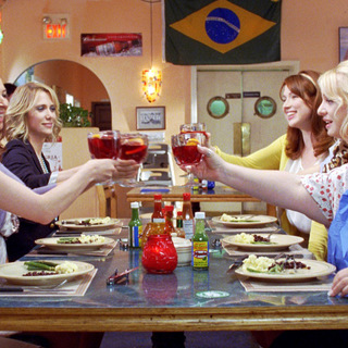 Ellie Kemper, Maya Rudolph, Kristen Wiig, Rose Byrne, Wendi McLendon-Covey and Melissa McCarthy in Universal Pictures' Bridesmaids (2011)