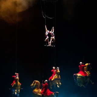 Cirque du Soleil: Worlds Away Picture 21