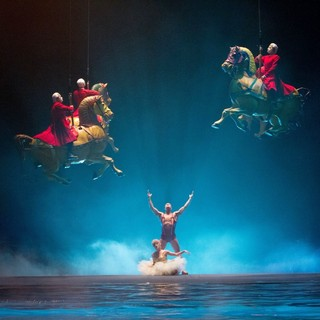 Cirque du Soleil: Worlds Away Picture 3