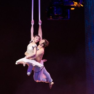 Cirque du Soleil: Worlds Away Picture 15