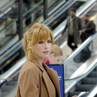Kelly Reilly stars as Wendy in Cohen Media Group's Chinese Puzzle (2014) - chinese-puzzle-picture03