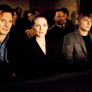 Chloe - Liam Neeson, Julianne Moore, Max Thieriot and Nina Dobrev in Sony Pictures Classics' Chloe (2010)