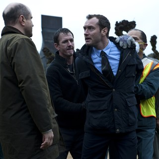 Contagion - Jude Law stars as Alan Krumwiede in Warner Bros. Pictures' Contagion (2011)