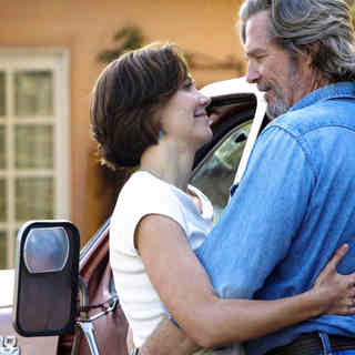 Maggie Gyllenhaal stars as Jean Craddock and Jeff Bridges stars as Bad Blake in Fox Searchlight Pictures' Crazy Heart (2009)