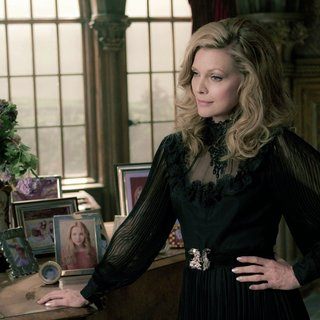 Dark Shadows Picture 5