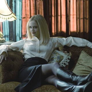 Dark Shadows Picture 9