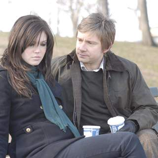 Mandy Moore as Lucy and Martin Freeman as Jeremy in Weinstein Company's Dedication (2007)