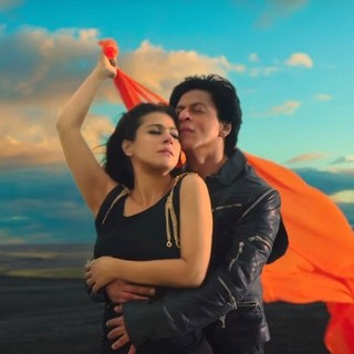 Kajol and Shahrukh Khan in Red Chillies Entertainment's Dilwale (2015) - dilwale02