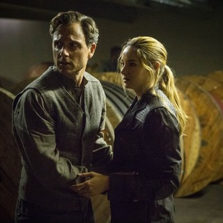 Divergent - Tony Goldwyn stars as Andrew Prior and Shailene Woodley stars as Beatrice Prior/Tris in Summit Entertainment's Divergent (2014)