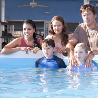 Juliana Harkavy, Austin Highsmith, Harry Connick Jr., Nathan Gamble and Cozi Zuehlsdorff in Warner Bros. Pictures' Dolphin Tale (2011)