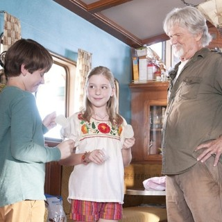 Nathan Gamble, Cozi Zuehlsdorff and Kris Kristofferson in Warner Bros. Pictures' Dolphin Tale (2011)
