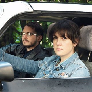 Elijah Wood stars as Tony and Melanie Lynskey stars as Ruth Kimke in Netflix's I Don't Feel at Home in This World Anymore (2017)