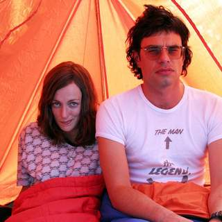 Jemaine Clement as Jarrod and Loren Horsley as Lily in Miramax Films' Eagle vs Shark (2007) - eagle_vs_shark2