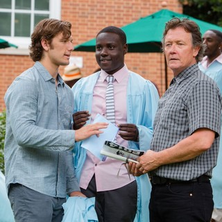 Alex Pettyfer, Dayo Okeniyi and Robert Patrick in Universal Pictures' Endless Love (2014)