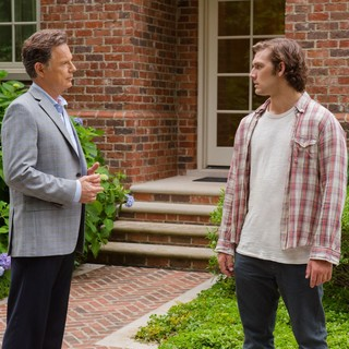 Bruce Greenwood stars as Hugh Butterfield and Alex Pettyfer stars as David Elliot in Universal Pictures' Endless Love (2014)